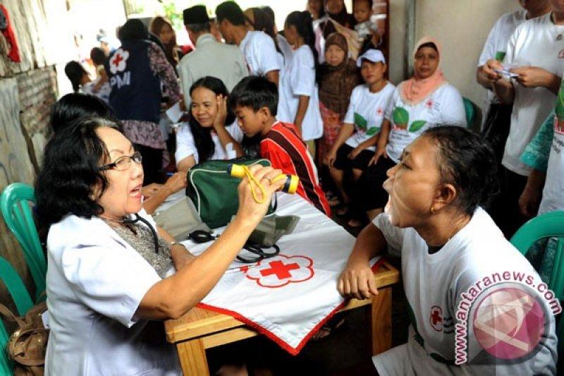 Ganti baju basah karena banjir cegah hipotermia, kata PDEI Jakarta