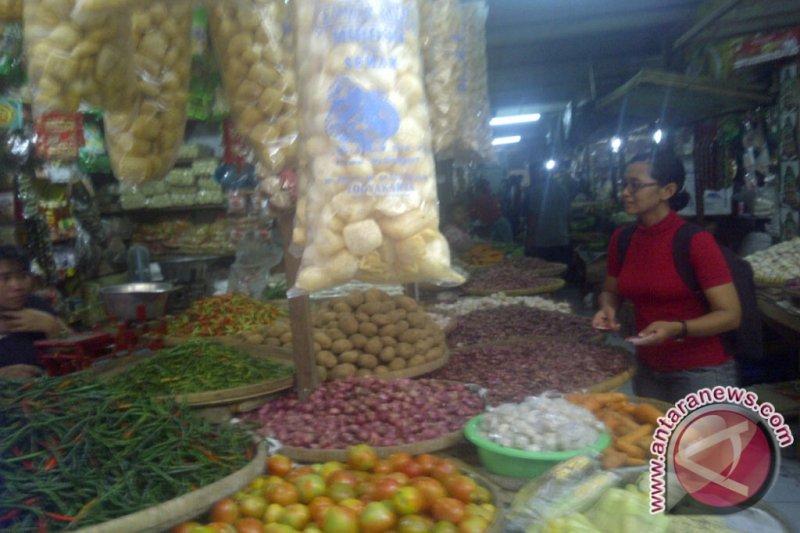 Caleg perempuan PDIP kampanye di pasar tradisional