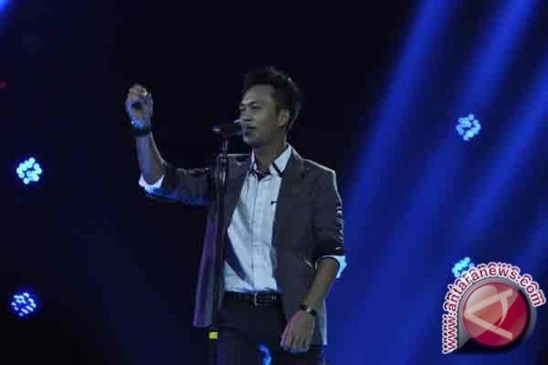 Gio Gagal Masuk Lima Besar Indonesian Idol