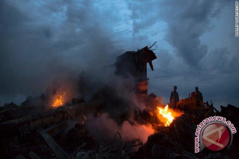 Pesawat  Malaysia Ditembak Jatuh Dengan Rudal