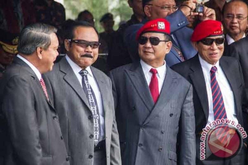 Prabowo-Gatot duduk berdampingan di HUT Kopassus
