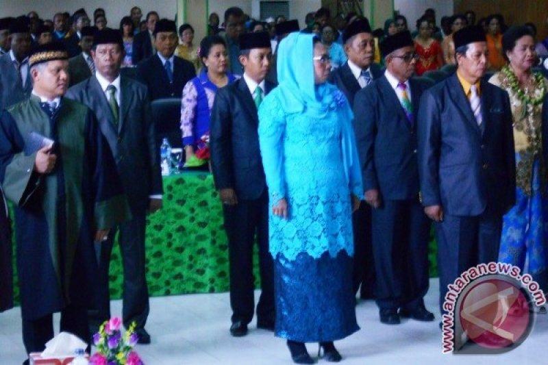 25 anggota DPRD Biak Numfor dilantik