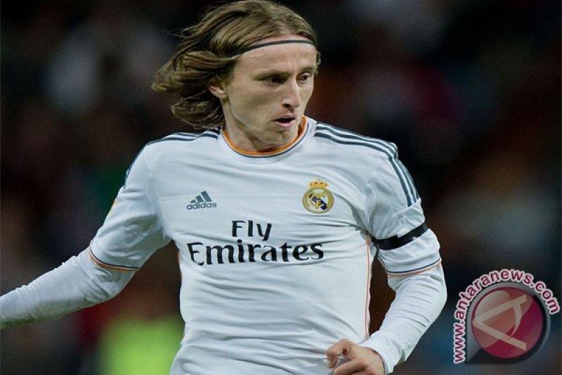 Keinginan Modric bertahan di Madrid
