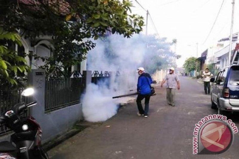 KNPI lakukan fogging di lingkungan sekolah