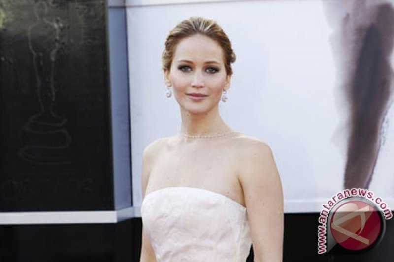 Kabar gembira dari Jennifer Lawrence dan Cooke Maroney