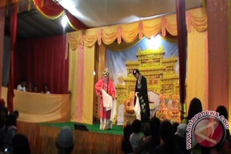 Opera wayang Tiongkok dipentaskan di Pulau Kemaro