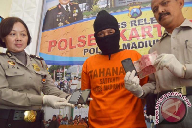 Polisi tangkap agen judi bola Piala Dunia