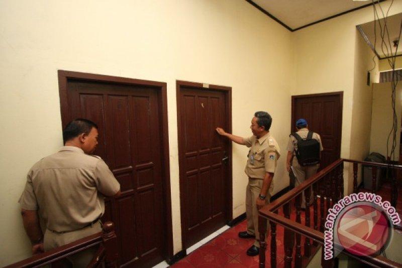 Hukum Jakarta kemarin, indekos digerebek hingga penutupan klub malam