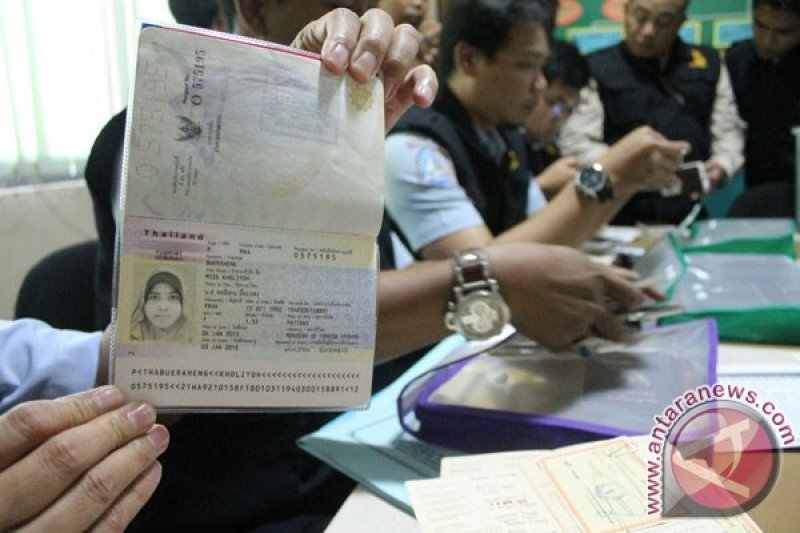 Kantor Imigrasi Blitar temui dua santri asing tanpa identitas