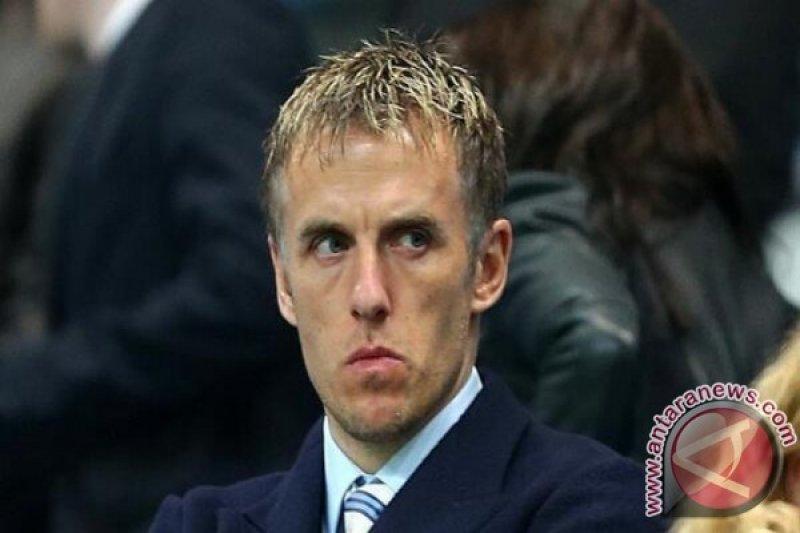 Phil Neville jadi asisten pelatih di Valencia
