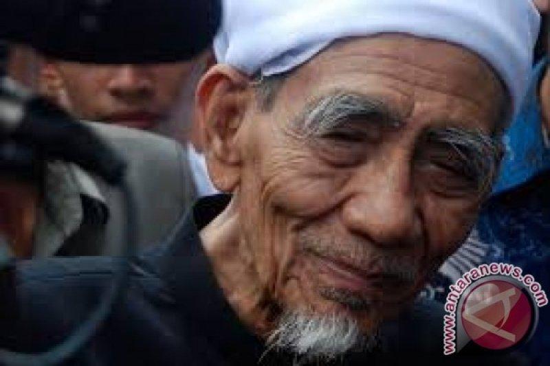 Mbah Moen wafat di Mekkah