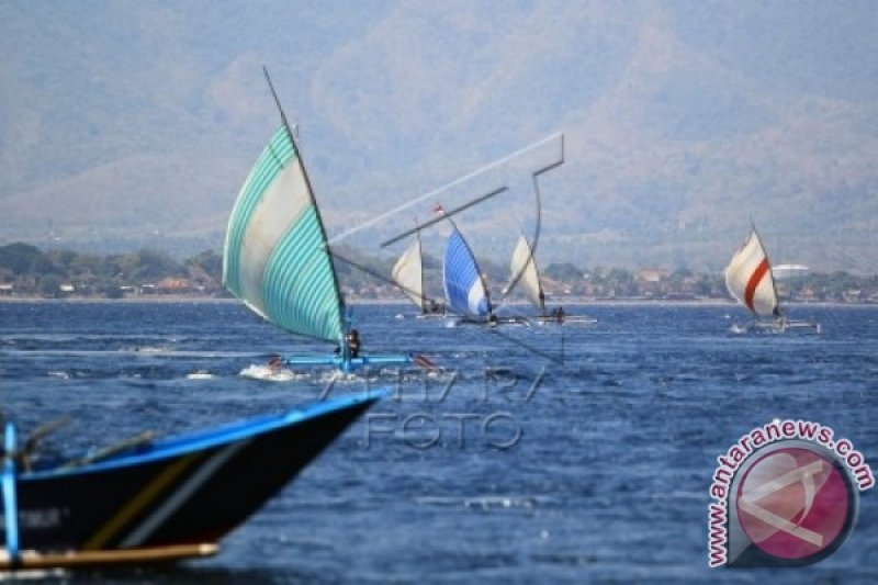 Lomba Perahu Layar Nelayan