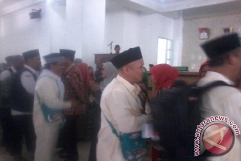 649 JCH Lampung Timur berangkat ke Mekkah