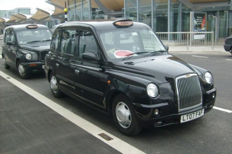 """Taksi listrik """"black cab"""" sudah beroperasi di London"""
