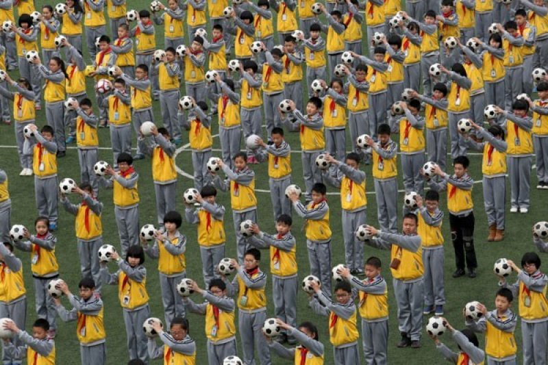 Sebagian sekolah di China mulai buka lagi