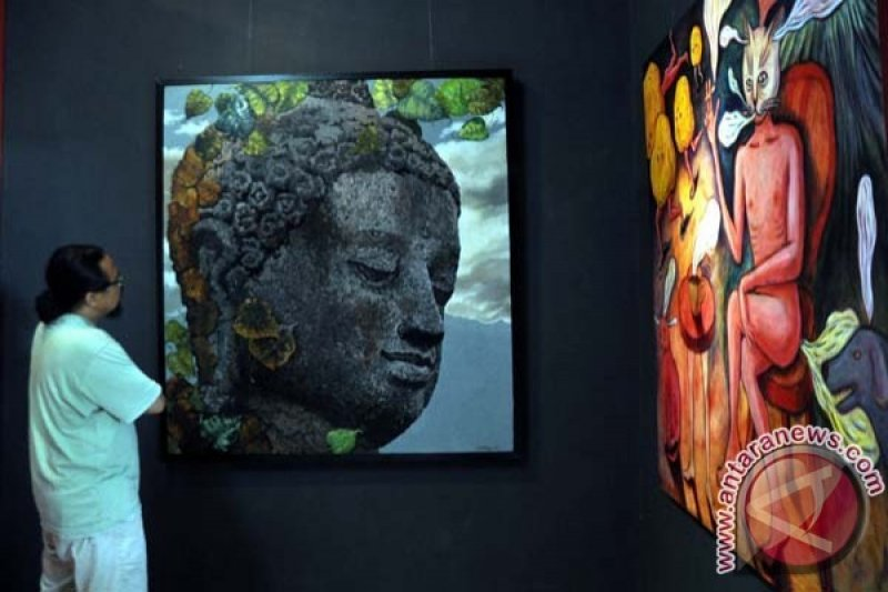 "Seniman Ramaikan Akhir Tahun Lewat ""Borobudur Today"""