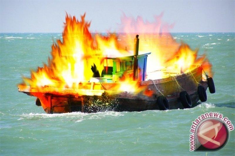 Kapal Polair Jateng terbakar di Tanjung Emas