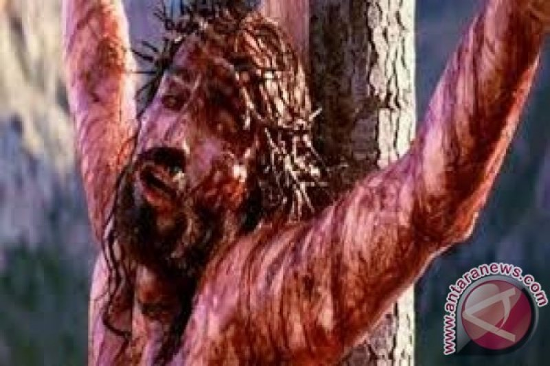 Umat Kristiani Di Palu Peringati Kematian Isa Alamasih