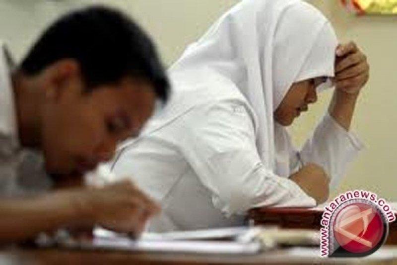 Malik Fadjar: ujian nasional miliki plus minus
