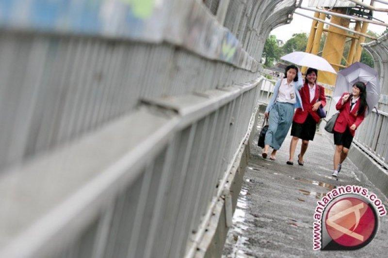 BMKG pasang peringatan dini hujan di Jaktim dan Jaksel Kamis siang