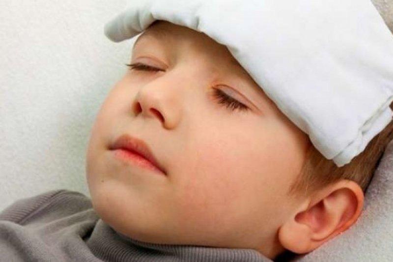 Kenali beda gejala demam dengue dan DBD