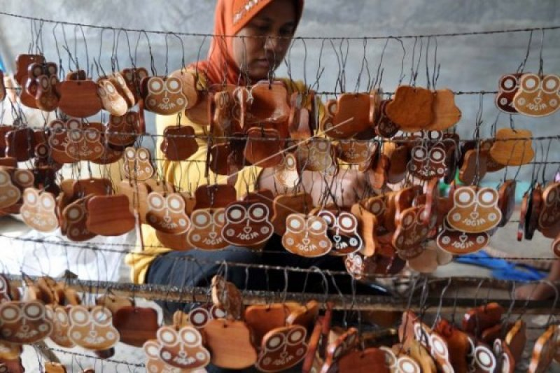 Tanggulangi Kemiskinan, Bank Jateng Didorong Turunkan Suku Bunga