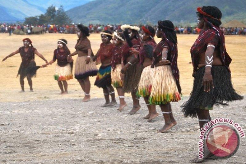 Peneliti minta wisatawan Lembah Baliem hormati adat suku Dani