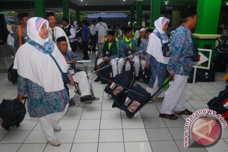Jamaah Calon Haji Sawahlunto Bergabung ke Kloter V
