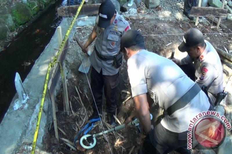 Gegana sisir lokasi penemuan granat dan amunisi