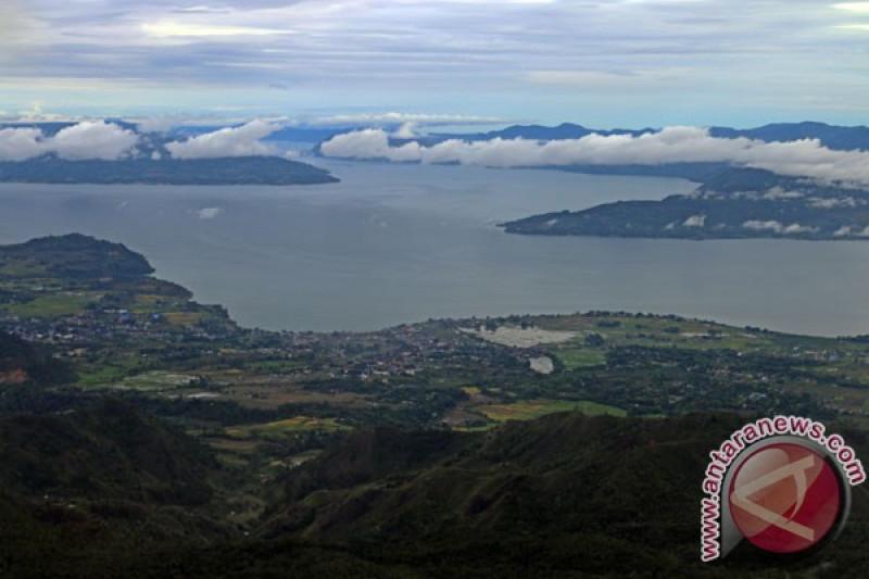 Walhi desak pengenaan sanksi bagi pencemar Danau Toba