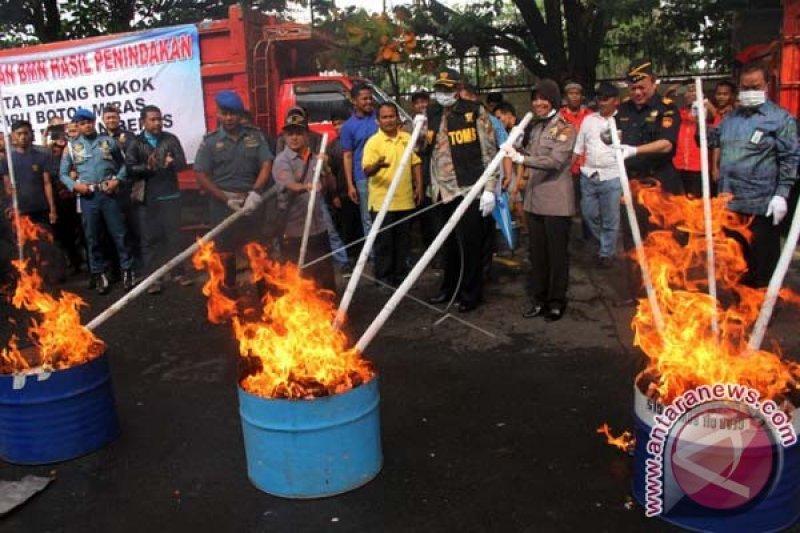 Bea Cukai musnahkan 33,29 juta batang rokok