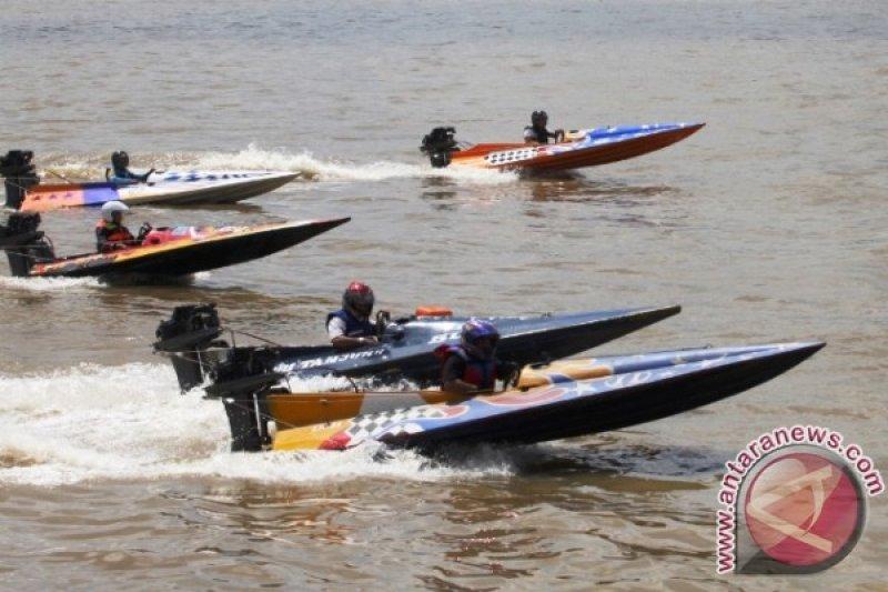 Festival Mahakam XIX kembali digelar di tepian Sungai Mahakam