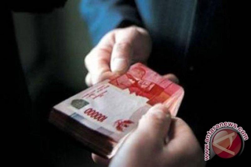 Politisi PAN didakwa terima suap Rp7,4 miliar