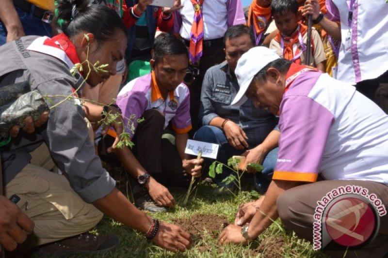 Aksi Pramuka bersih sampah dilaksanakan di Gorontalo