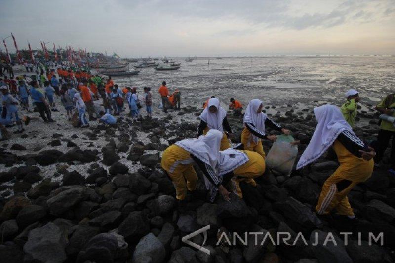 Dua Sekolah Pantai Indonesia di Riau fokus antisipasi abrasi