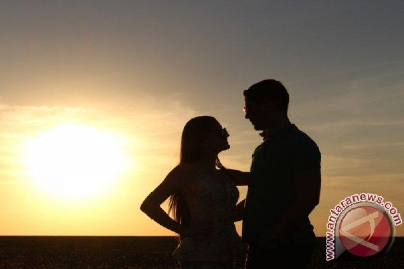 Kenali perbedaan rahasia dan privasi dalam hubungan