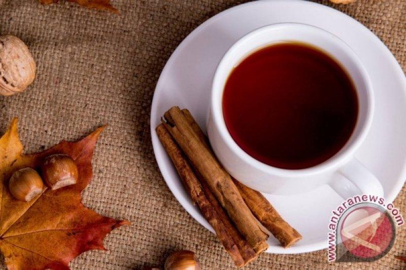 Atasi sakit tenggorokan dengan jenis teh berikut