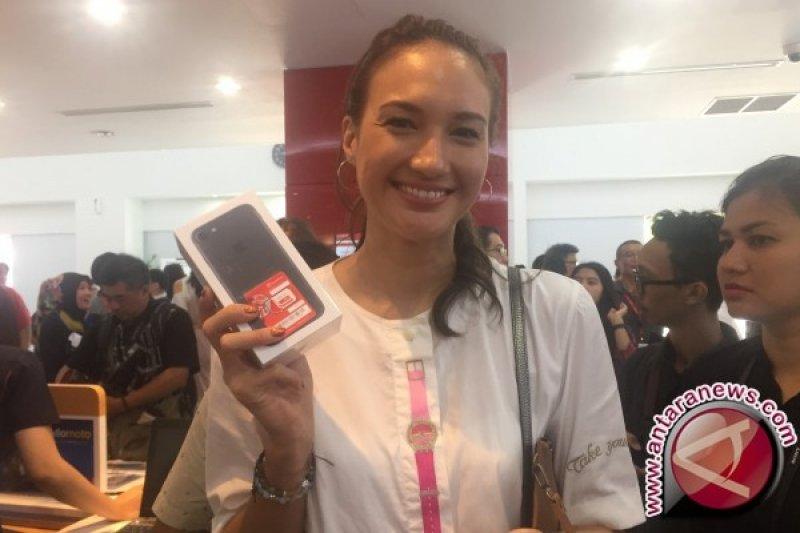 Ini Alasan Nadine Chandrawinata dan Cathy Sharon Pilih iPhone 7