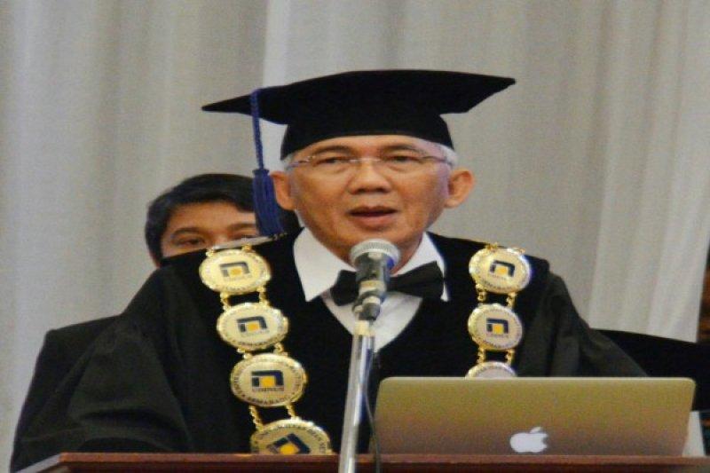 Rektor Udinus Dikukuhkan Guru Besar Technopreneur Manajemen
