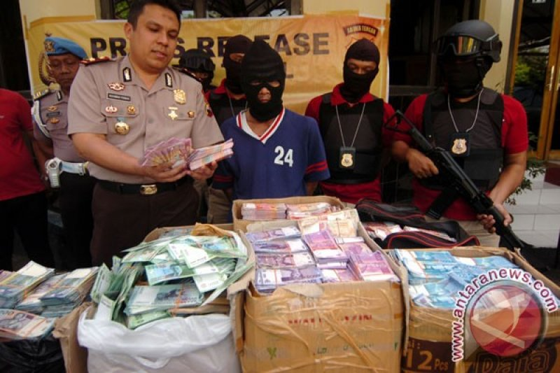 Aparat Ungkap Kasus Penipuan Berkedok Penggandaan Uang Antara