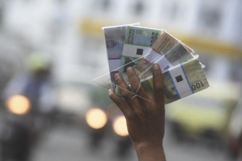MUI Padang: jasa penukaran uang hukumnya haram
