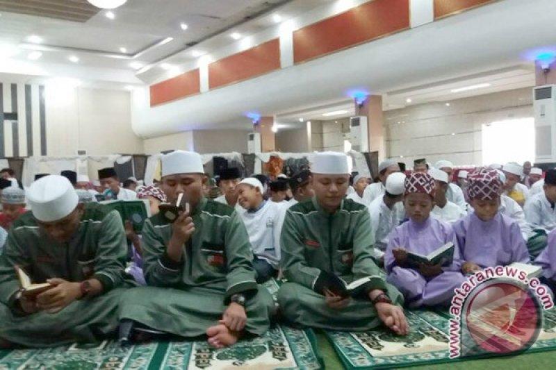 Wow...Bangka Tengah pecahkan rekor dunia khatam Al Quran