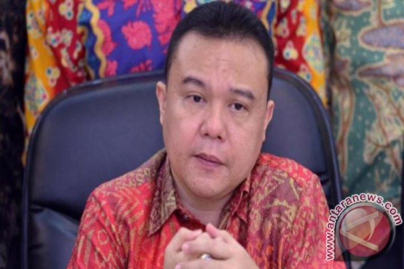 Sandiaga digosipkan jadi Ketum Gerindra, Sufmi Dasco membantah