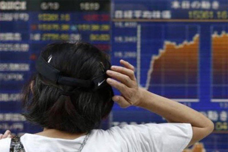 Membalikkan kenaikan awal, saham China ditutup ebih rendah