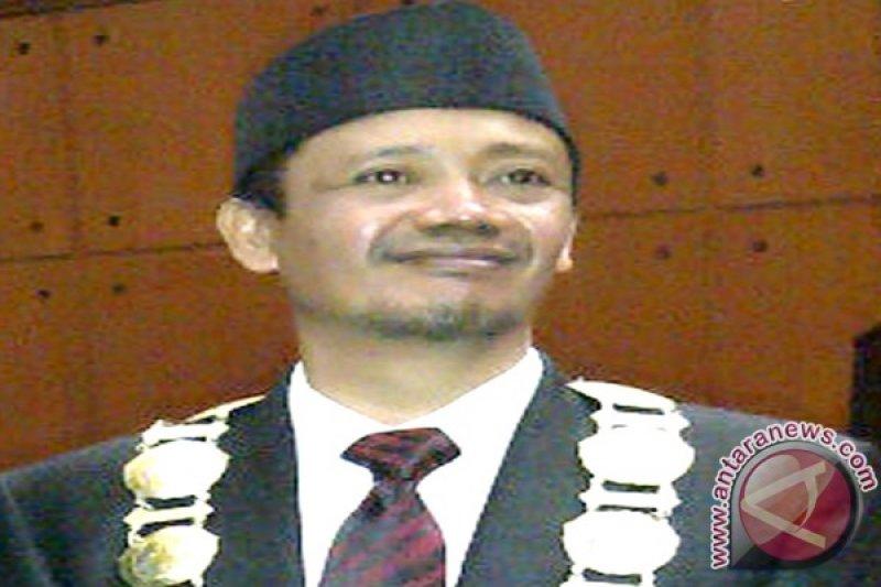 Azhari terpilih rektor USN Kolaka