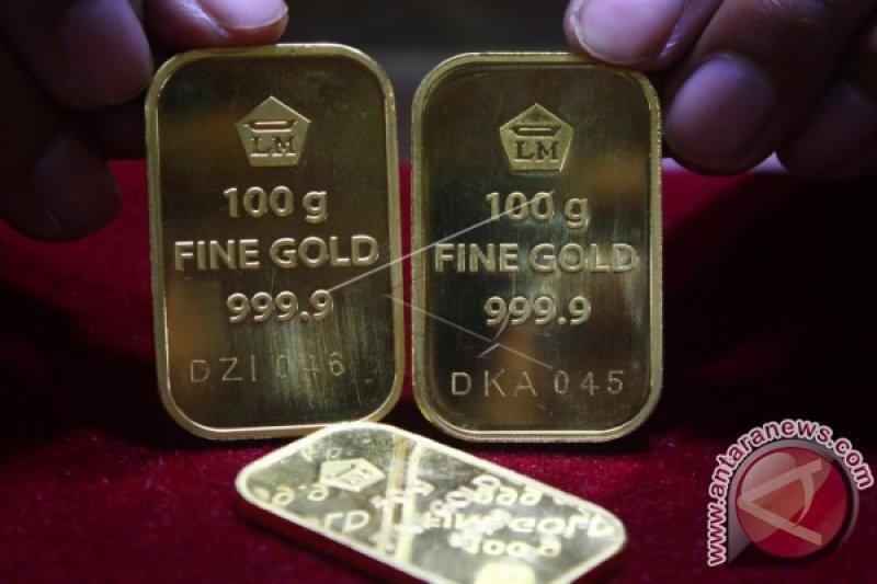 Emas naik tipis