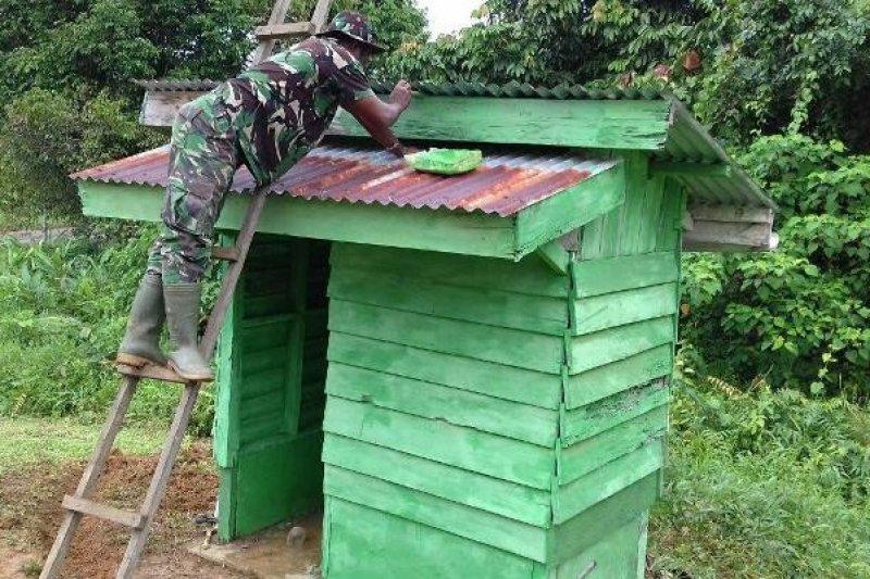 TNI bantu atasi krisis sanitasi masyarakat pedalaman Kampar