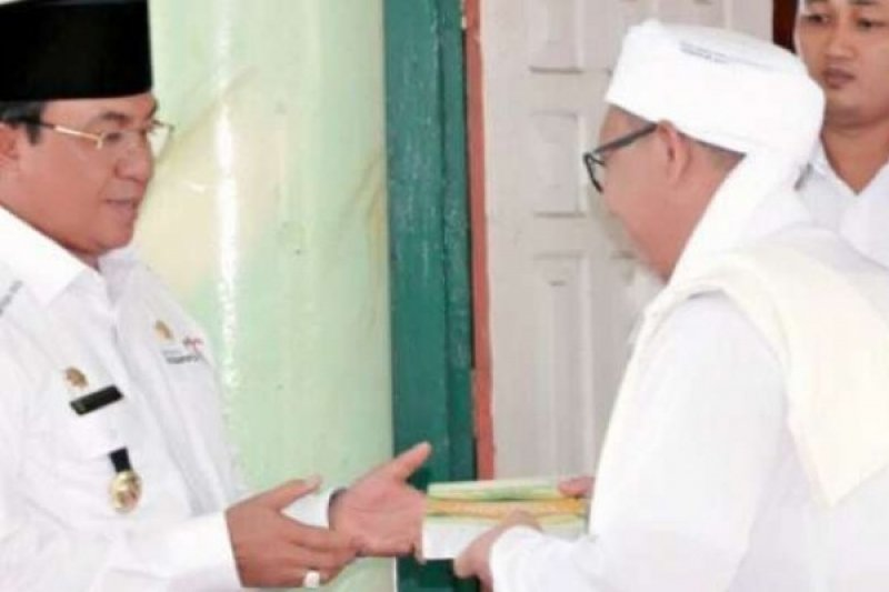 Bupati Indragiri Hilir jelaskan penertiban ibadah umat Kristen