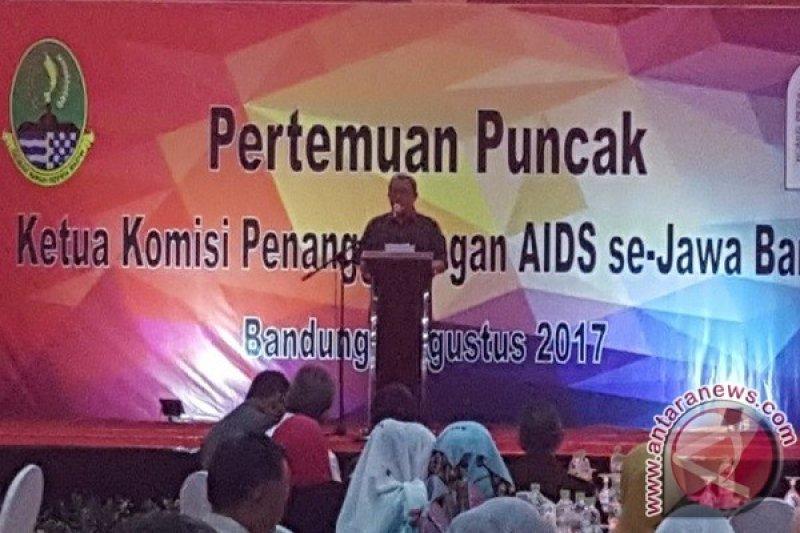 Gubernur-KPA Teken Komitmen Penanggulangan HIV Aids