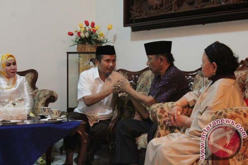 Mantan Gubernur Sulsel HZB Palaguna tutup usia